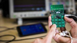 Crearon celular que no necesita batería