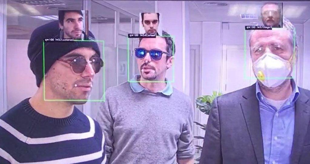 Los algoritmos de IA para el reconocimiento facial pueden identificar a las personas con máscaras